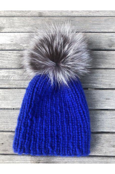Royal blue vlněná čepice s kožešinovou bambulí