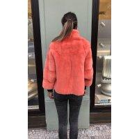 Norkový kabátek v barvě neon losos