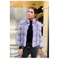 Norkový světle šedý kabátek s nádechem do fialkova