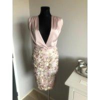 Tylová hedvábná sukně s vyšívanými květinami