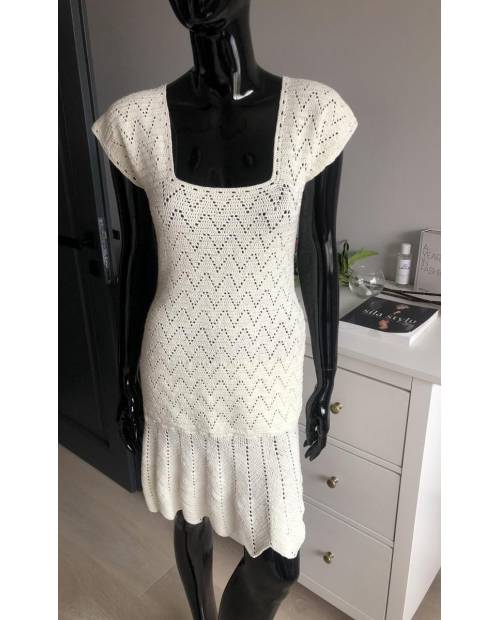Sexy elastické háčkované šaty s kanýrem