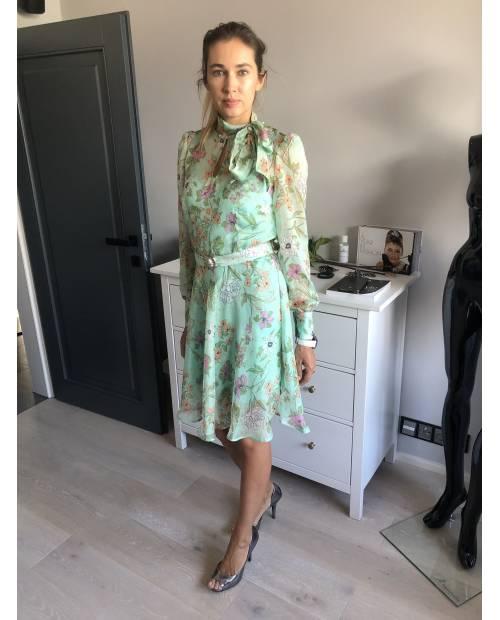 Hedvábné  vzdušné šaty - pastel zelená