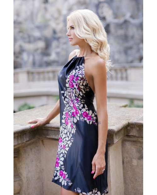Saténové hedvábné šaty s holými zády