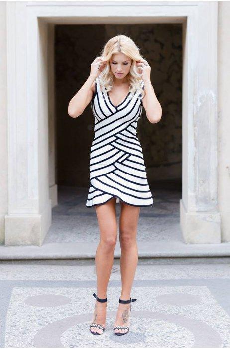 Nový model bandážové elegantní šaty